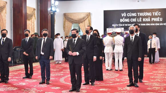 Cử hành trọng thể Quốc tang nguyên Tổng Bí thư Lê Khả Phiêu ảnh 38