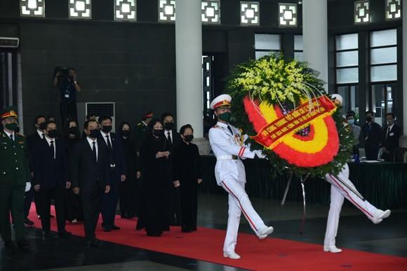 Cử hành trọng thể Quốc tang nguyên Tổng Bí thư Lê Khả Phiêu ảnh 9
