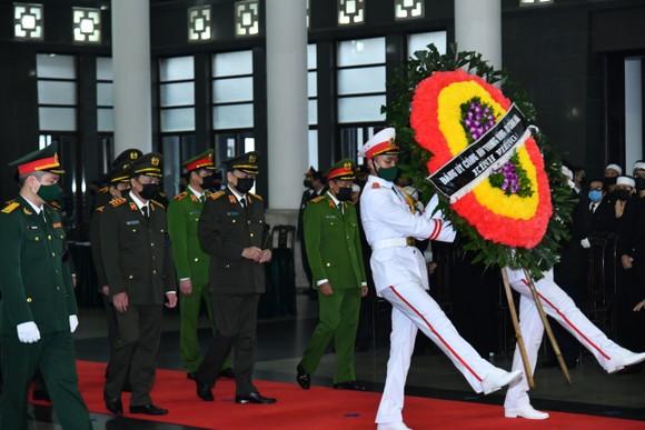 Cử hành trọng thể Quốc tang nguyên Tổng Bí thư Lê Khả Phiêu ảnh 12