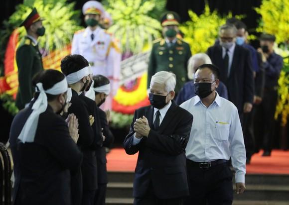 Cử hành trọng thể Quốc tang nguyên Tổng Bí thư Lê Khả Phiêu ảnh 22