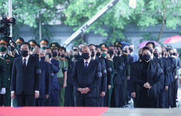 Cử hành trọng thể Quốc tang nguyên Tổng Bí thư Lê Khả Phiêu ảnh 3