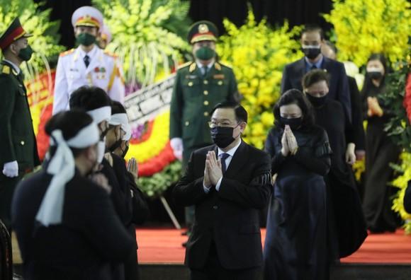 Cử hành trọng thể Quốc tang nguyên Tổng Bí thư Lê Khả Phiêu ảnh 16