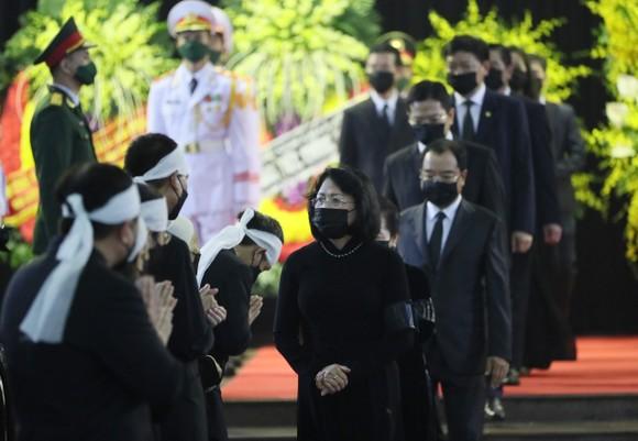 Cử hành trọng thể Quốc tang nguyên Tổng Bí thư Lê Khả Phiêu ảnh 20