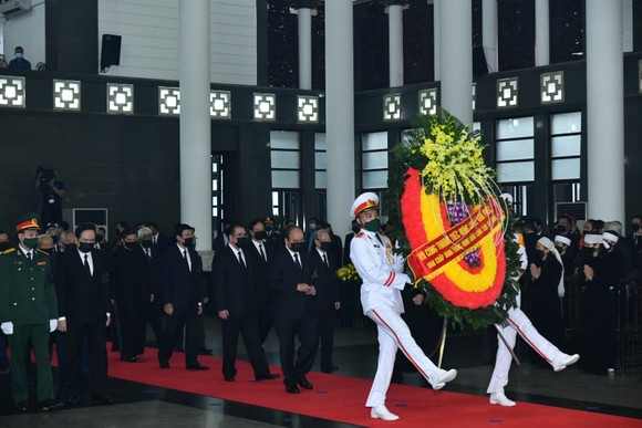 Cử hành trọng thể Quốc tang nguyên Tổng Bí thư Lê Khả Phiêu ảnh 4