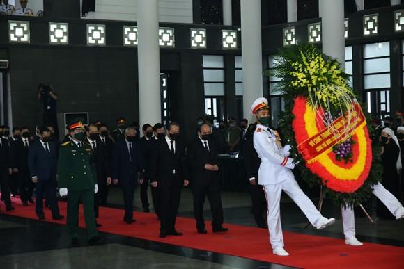 Cử hành trọng thể Quốc tang nguyên Tổng Bí thư Lê Khả Phiêu ảnh 6