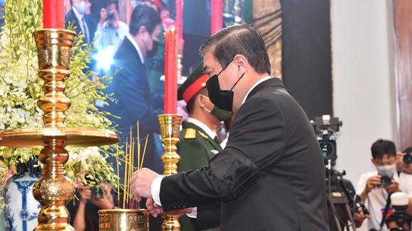 Cử hành trọng thể Quốc tang nguyên Tổng Bí thư Lê Khả Phiêu ảnh 39