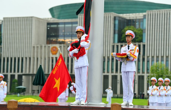 Cử hành trọng thể Quốc tang nguyên Tổng Bí thư Lê Khả Phiêu ảnh 28