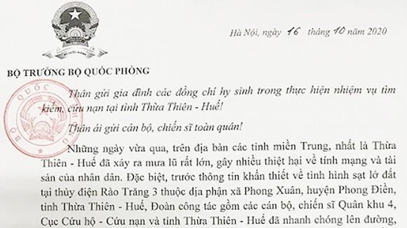 Đại tướng Ngô Xuân Lịch gửi thư chia buồn tới gia đình 13 cán bộ, chiến sĩ hy sinh ở Thừa Thiên - Huế ảnh 1
