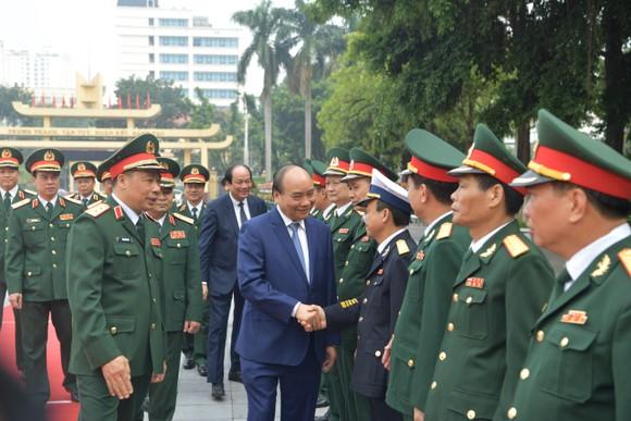 Thủ tướng Nguyễn Xuân Phúc thăm và làm việc tại Học viện Quốc phòng ảnh 2