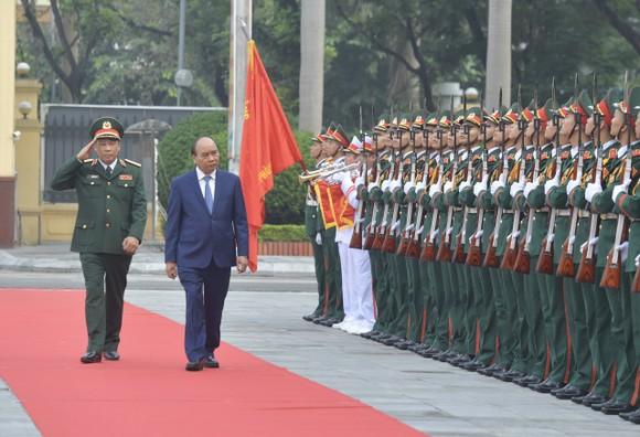 Thủ tướng Nguyễn Xuân Phúc thăm và làm việc tại Học viện Quốc phòng ảnh 1