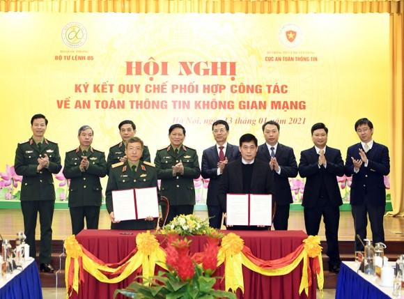 Bộ Quốc phòng và Bộ TT-TT phối hợp bảo đảm an toàn thông tin trên không gian mạng ảnh 2