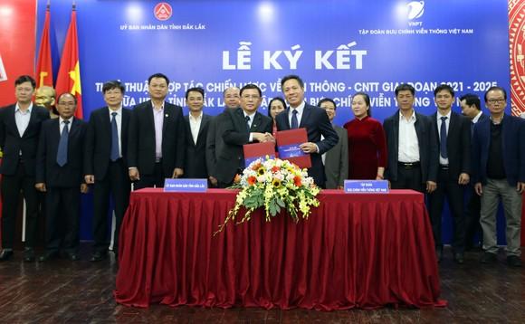 Đắk Lắk hợp tác chiến lược với VNPT phát triển chính quyền điện tử và thúc đẩy chuyển đổi số ảnh 1