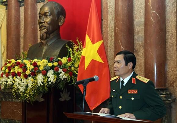 Trao Quyết định thăng quân hàm từ Trung tướng lên Thượng tướng cho 2 Thứ trưởng Bộ Quốc phòng ảnh 3