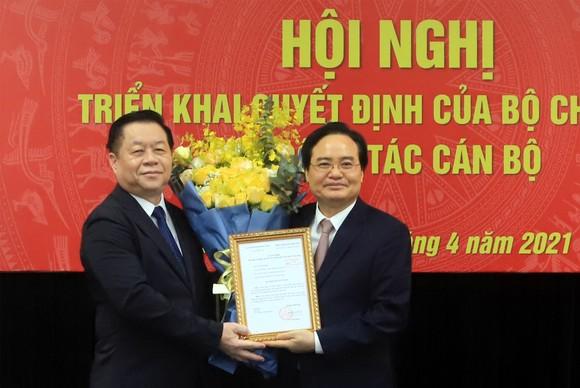 Bộ Chính trị bổ nhiệm đồng chí Phùng Xuân Nhạ giữ chức Phó Trưởng Ban Tuyên giáo Trung ương ảnh 1