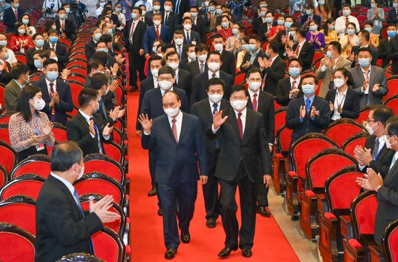 Cùng nhau bảo vệ thành quả cách mạng, phát triển đất nước, giữ gìn quan hệ đặc biệt Việt - Lào đời đời bền vững ảnh 2