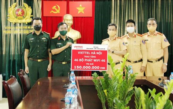 Viettel trang bị wifi miễn phí cho 23 chốt kiểm dịch ở Hà Nội ảnh 1