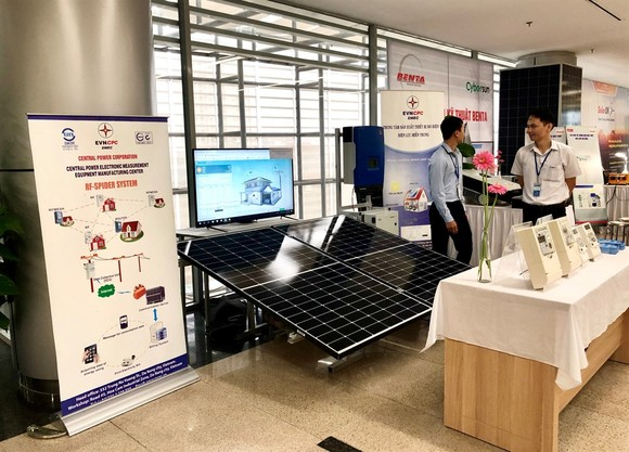 VN needs policies to encourage clean energy development
