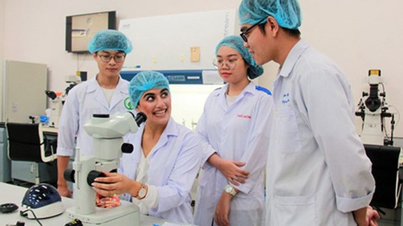 Vietnamese universities are gradually satisfying international training and researching standards