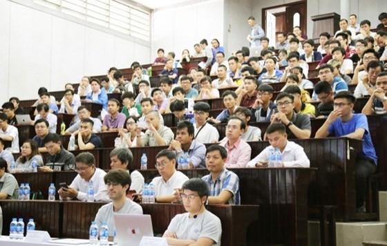 AI applied in finance, medical, education, traffic in Vietnam