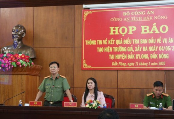 Director of Dak Nong Province Colonel Ho Van Muoi at the press brief (Photo: SGGP)