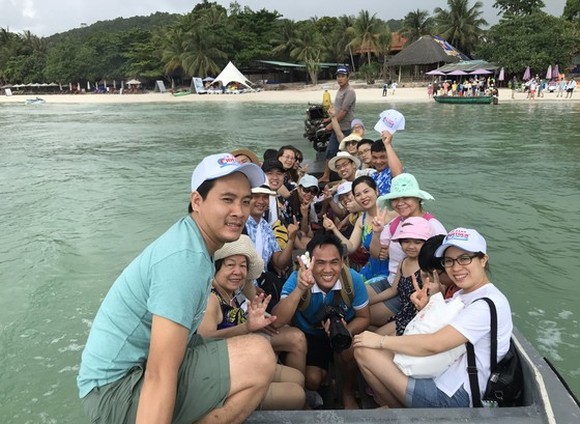 Family-friendly group tours warm up tourism market in Vietnam (Photo: SGGP)