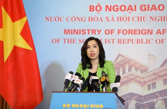 Spokesperson for the foreign ministry Le Thi Thu Hang answered reporters' questions during a press briefing in Hanoi on Thursday ( VNA/VNS Photo).