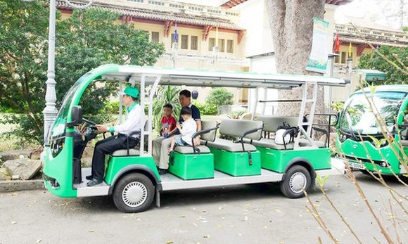 HCMC petitions to pilot launch of electric buses (Photo: SGGP)