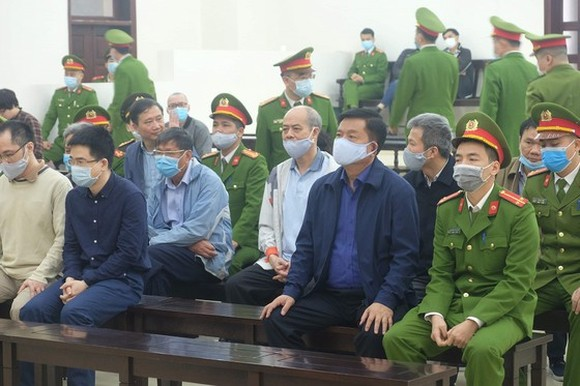 Former Chairman of the Board of Directors of the Vietnam National Oil and Gas Group (PetroVietnam) Dinh La Thang at the first-instance trial in Hanoi on March 8. (Photo: SGGP)
