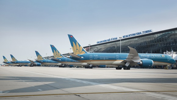 Vietnam Airlines has total of 57 flight routes with an average of nearly 320 flights per day.
