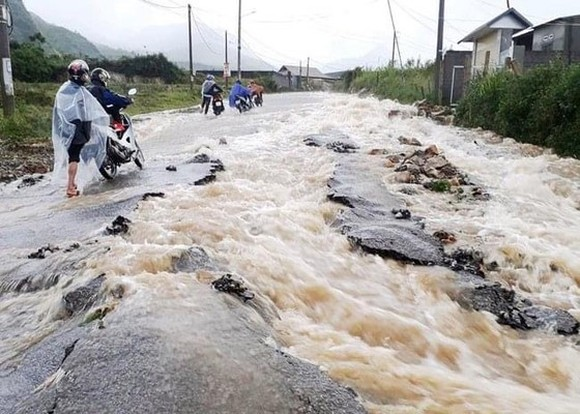 Torrential downpours are forecast to hit the Northern and Southern regions (Photo: the General Department on Natural Disaster Prevention and Controll)