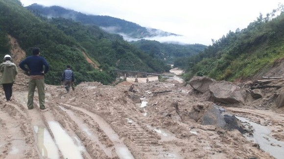 Landslides batter the mountainous district of Tra Bong in Quang Ngai Province