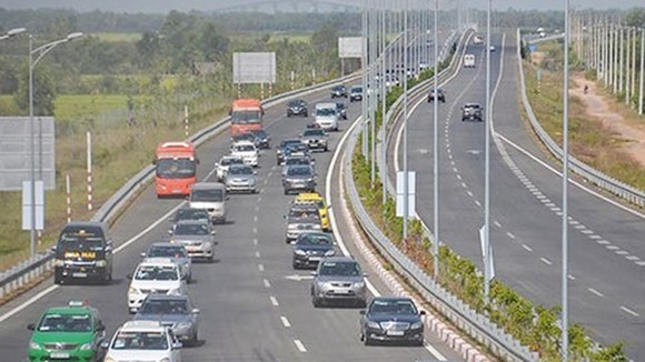 Some sections of HCMC- Long Thanh- Dau Giay Expressway to be expanded to 8 lanes