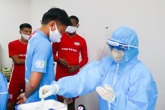 Vietnamese footballers proposed to get Covid-19 vaccine