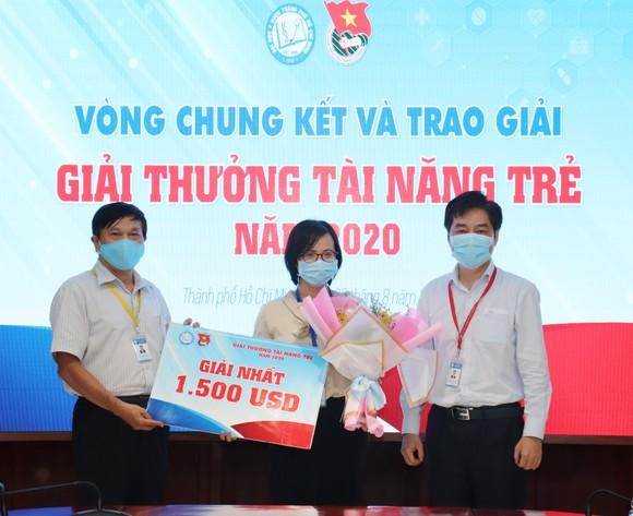 Tiến sĩ Trịnh Hoàng Kim Tú đoạt giải nhất giải thưởng Tài năng trẻ ĐH Y Dược TPHCM  ảnh 2