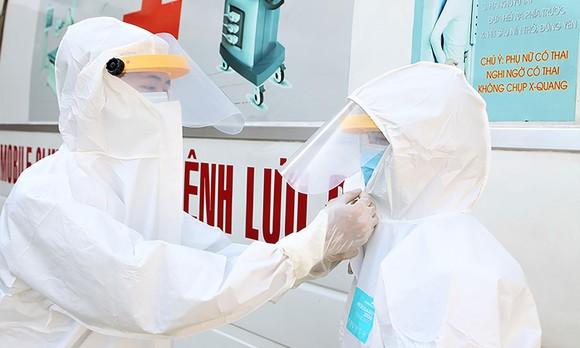TPHCM chính thức vận hành bệnh viện dã chiến phòng chống dịch nCoV ảnh 12