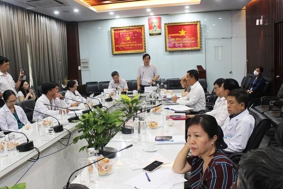 PGS-TS Lương Ngọc Khuê, Cục trưởng Cục quản lý Khám chữa bệnh phát biểu tại buổi hội chẩn
