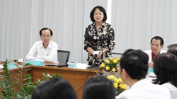 Phó Chủ tịch nước Đặng Thị Ngọc Thịnh thăm hai bé song sinh Trúc Nhi – Diệu Nhi ảnh 3
