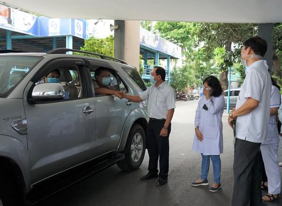 Đoàn y, bác sĩ TPHCM lên đường chi viện cho Đà Nẵng chống dịch Covid-19 ảnh 1