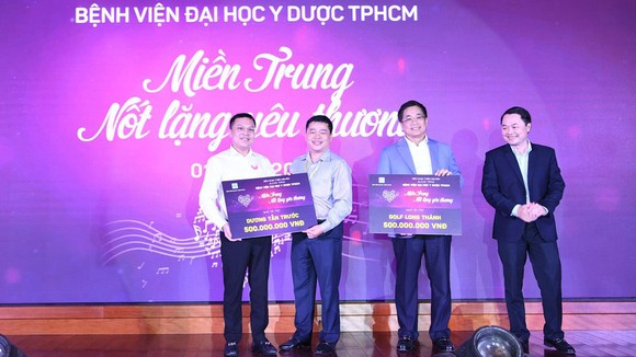 Tổng kết vào cuối đêm nhạc, tổng số tiền quyên góp được là 2,1 tỷ đồng và 7.200 USD ủng hộ đồng bào miền Trung