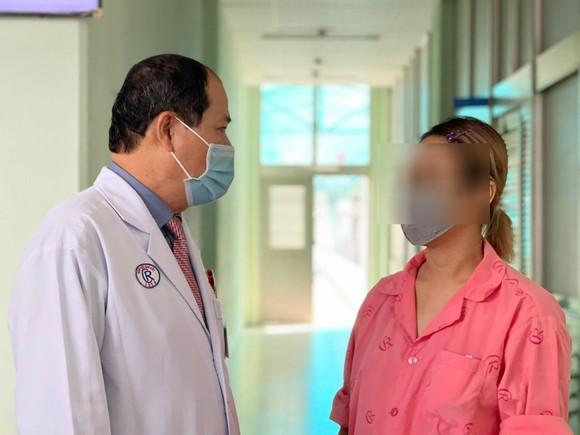 Bóc tách thành công khối u tuyến tụy 'khổng lồ' hiếm gặp ảnh 1