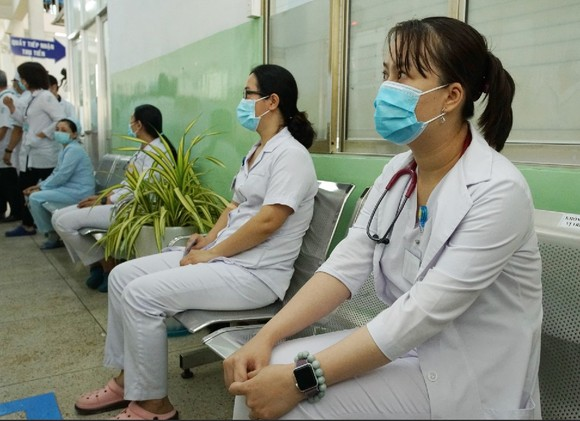 Sáng 8-3, triển khai những mũi tiêm vaccine ngừa Covid-19 đầu tiên tại TPHCM, Hà Nội và Hải Dương ảnh 7