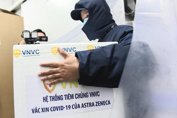 Sáng 8-3, triển khai những mũi tiêm vaccine ngừa Covid-19 đầu tiên tại TPHCM, Hà Nội và Hải Dương ảnh 1