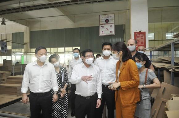 Chấp hành quy định phòng chống dịch là bảo vệ sản xuất, bảo vệ công ăn việc làm cho công nhân ảnh 2