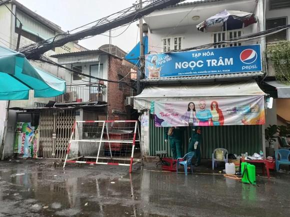 Hẻm 245 đường Nguyễn Trãi, phường Nguyễn Cư Trinh, quận 1 đã được cách ly, phong tỏa