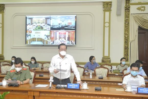 Thứ trưởng Nguyễn Trường Sơn: Việc xét nghiệm ở TPHCM phải theo hướng giãn cách cả về thời gian, địa điểm ảnh 2