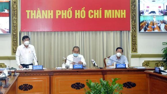 Thứ trưởng Nguyễn Trường Sơn: Việc xét nghiệm ở TPHCM phải theo hướng giãn cách cả về thời gian, địa điểm ảnh 1