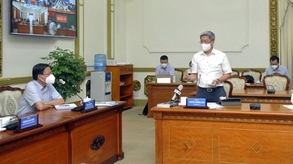 Thứ trưởng Nguyễn Trường Sơn: Việc xét nghiệm ở TPHCM phải theo hướng giãn cách cả về thời gian, địa điểm ảnh 3