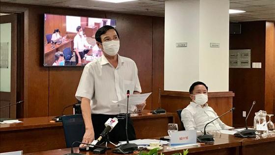 Ông Nguyễn Hữu Hưng, Phó Giám đốc Sở Y tế TPHCM tại một buổi họp báo