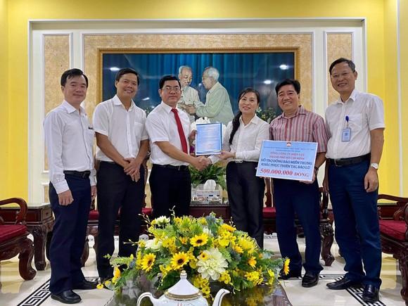 Điện lực TPHCM ủng hộ 500 triệu đồng cho đồng bào miền Trung ảnh 1