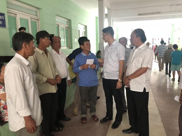 Vụ nổ tàu cá đảo Lý Sơn: Hỗ trợ các ngư dân gặp nạn ảnh 1